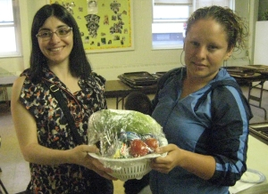 CMLF Nutrition instructor Sandra Orozco (left) talks with Shapedown participant